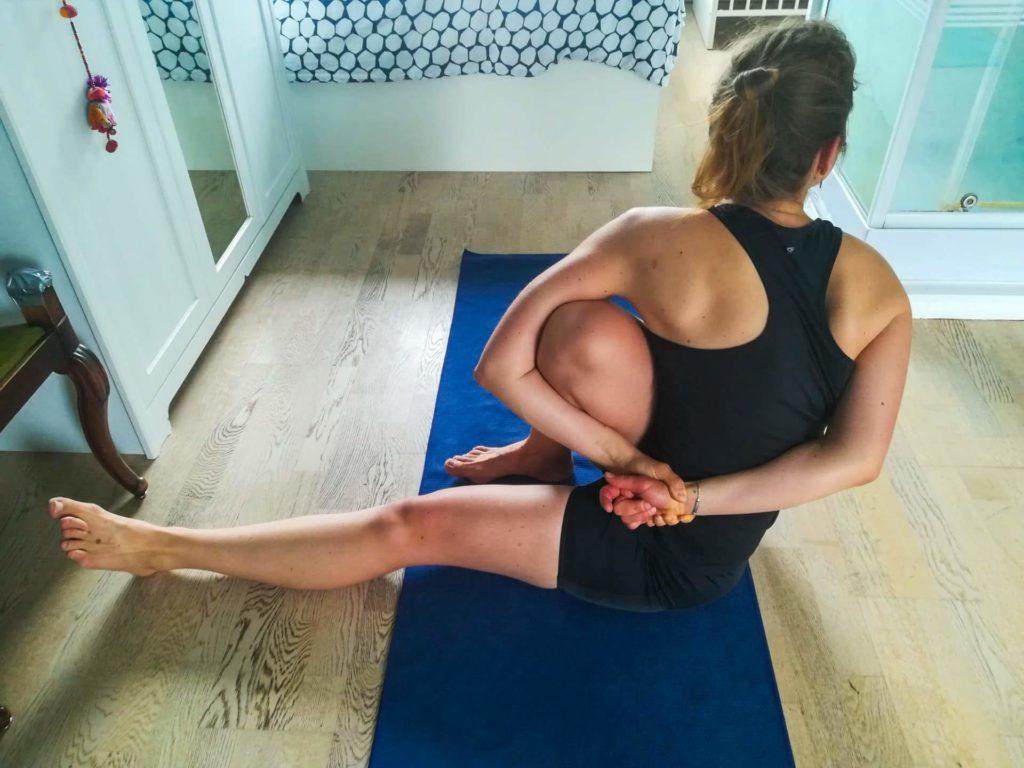 Yoga macht noch mehr Spaß ohne BH!