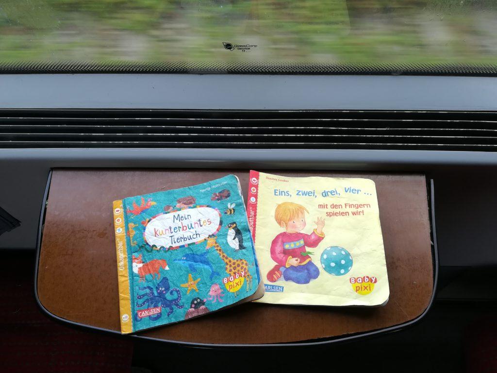 Pixi-Bücher sind super, um nur mit Handgepäck zu reisen.