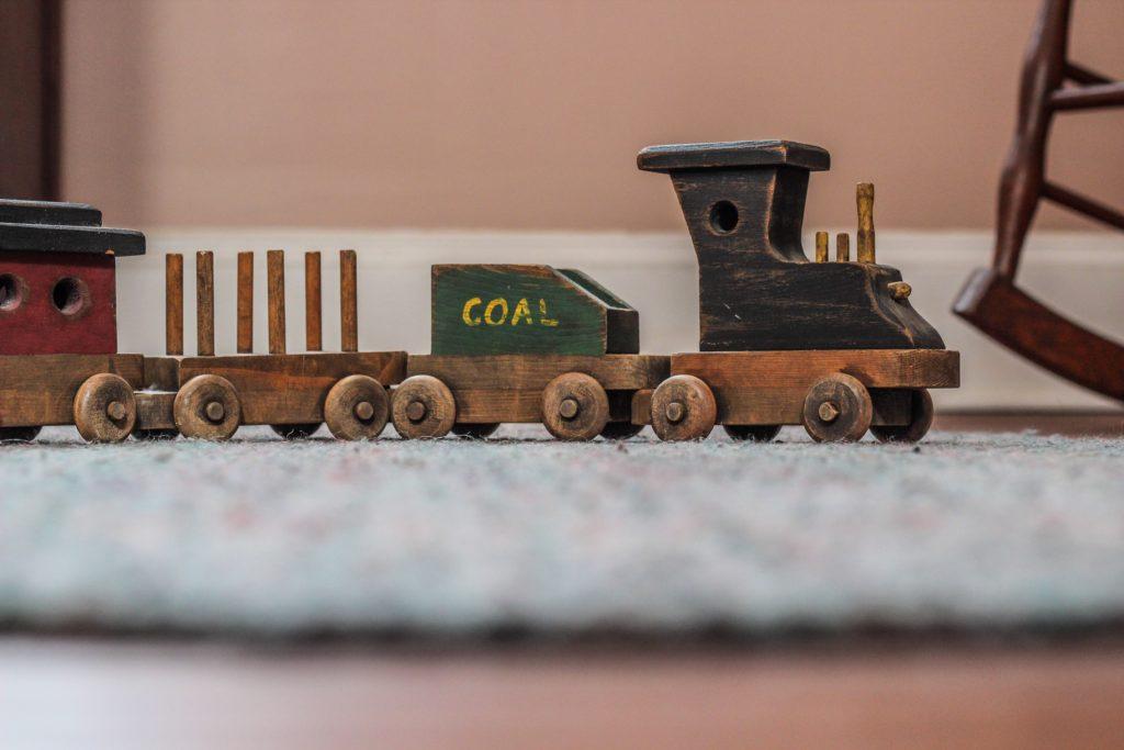 Ortsunabhängig Eisenbahnschienen verlegen statt arbeiten