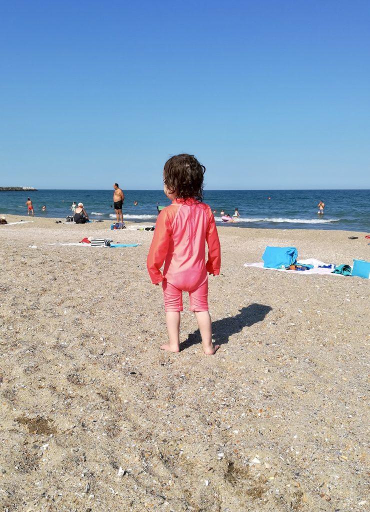Ortsunabhängig arbeiten am Meer - toll auch fürs Kind.