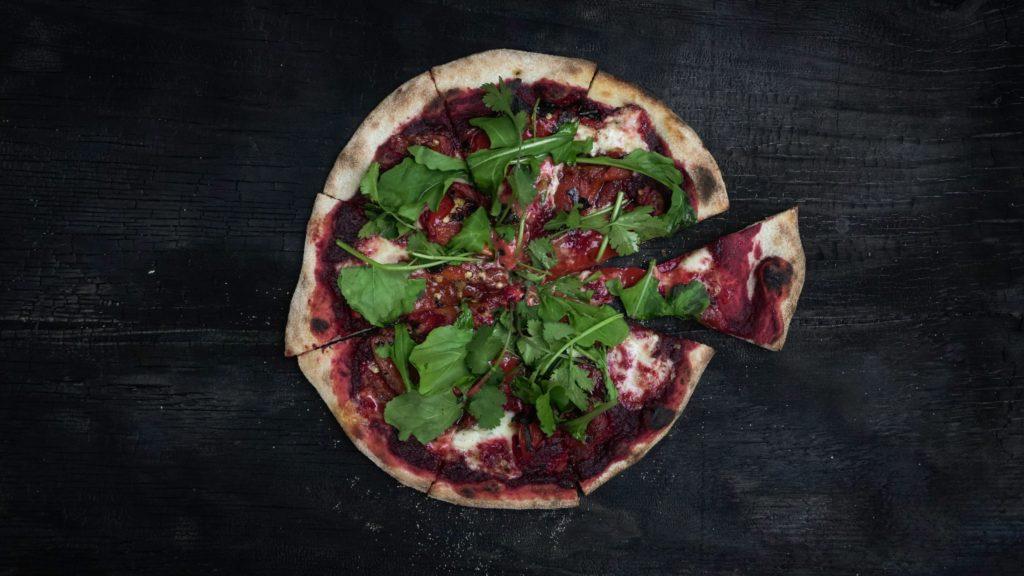 Natürlich schlank sein und intuitiv essen mit Pizza