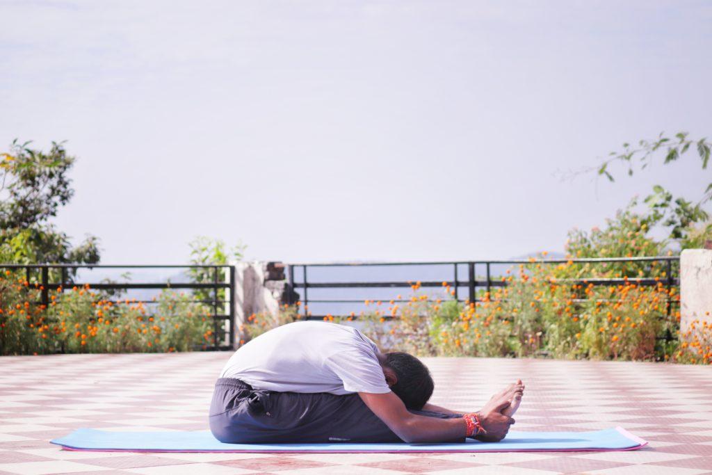 Ashtanga wird von Männern und Frauen gleichermaßen praktiziert.
