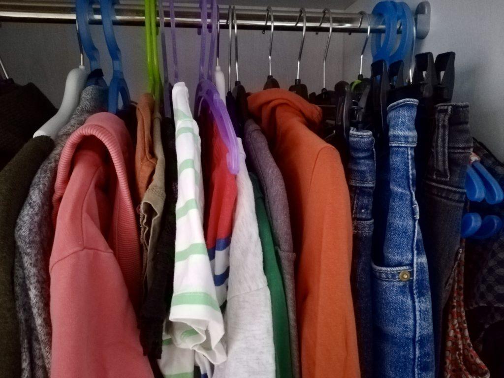 Minimalistische Kleidung: Capsule Wardrobe erstellen - Mein Kleiderschrank