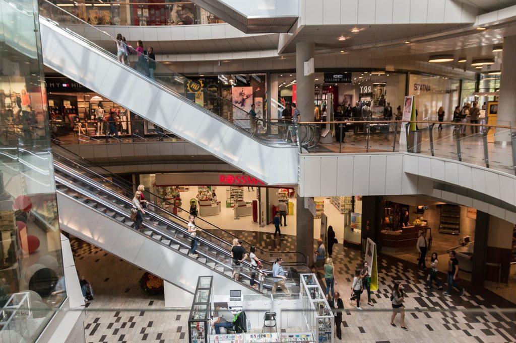Schluss mit Fast Fashion – Tipps für ein Leben ohne Shopping