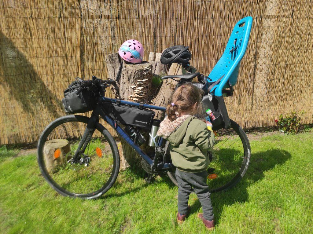 Radreise mit Kleinkind und Rennrad. Pause.