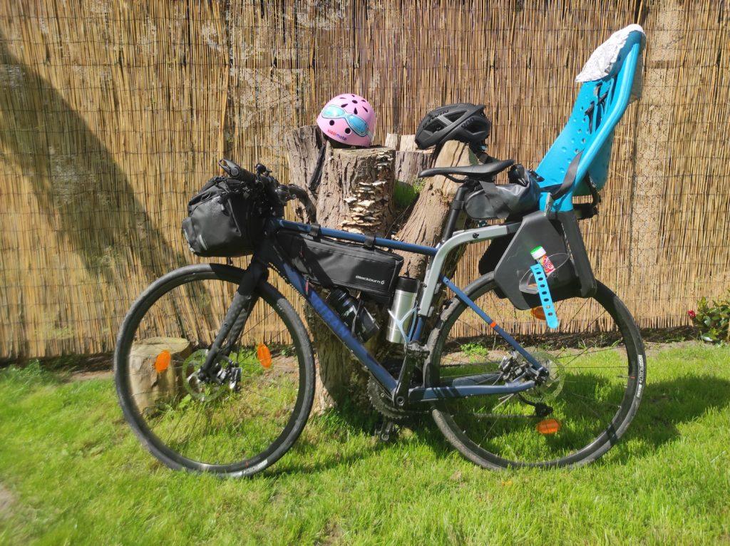 Radreise mit Rennrad und Kleinkind. Pause