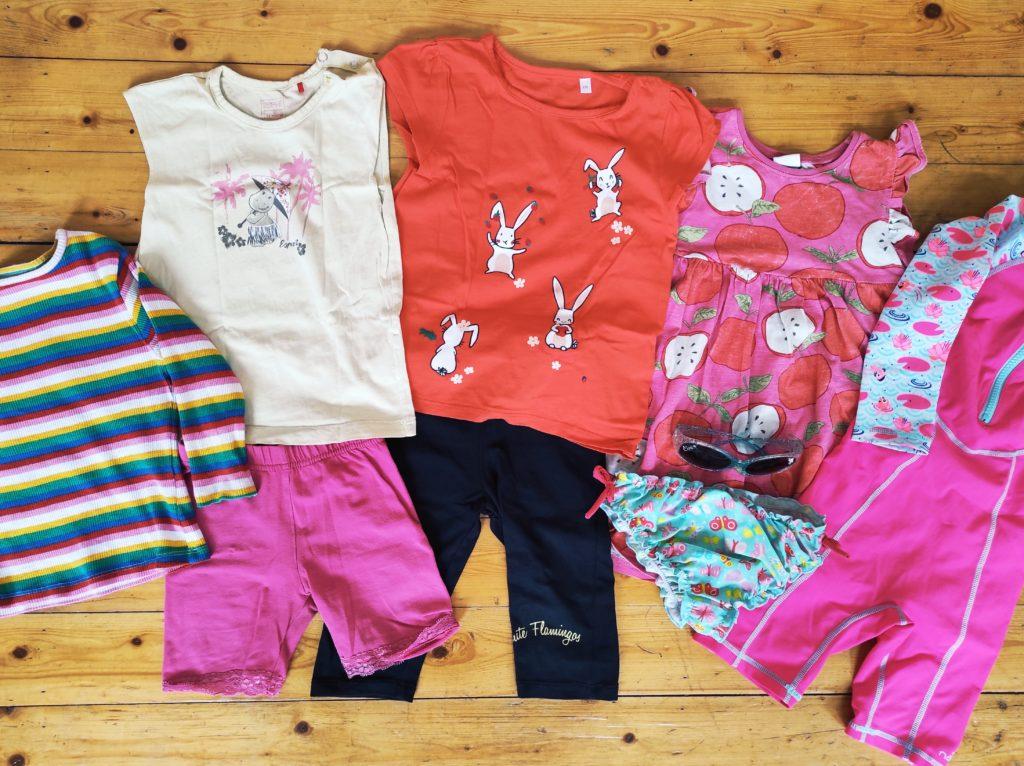 Ortsunabhängig arbeiten: Packliste für 3 Wochen Backpacking mit Kind - Kleidung fürs Kind