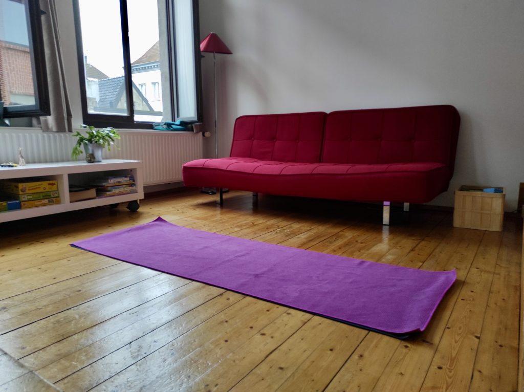 Minimalismus & Umzug: Minimalistisch umziehen mit Kind: Yoga!