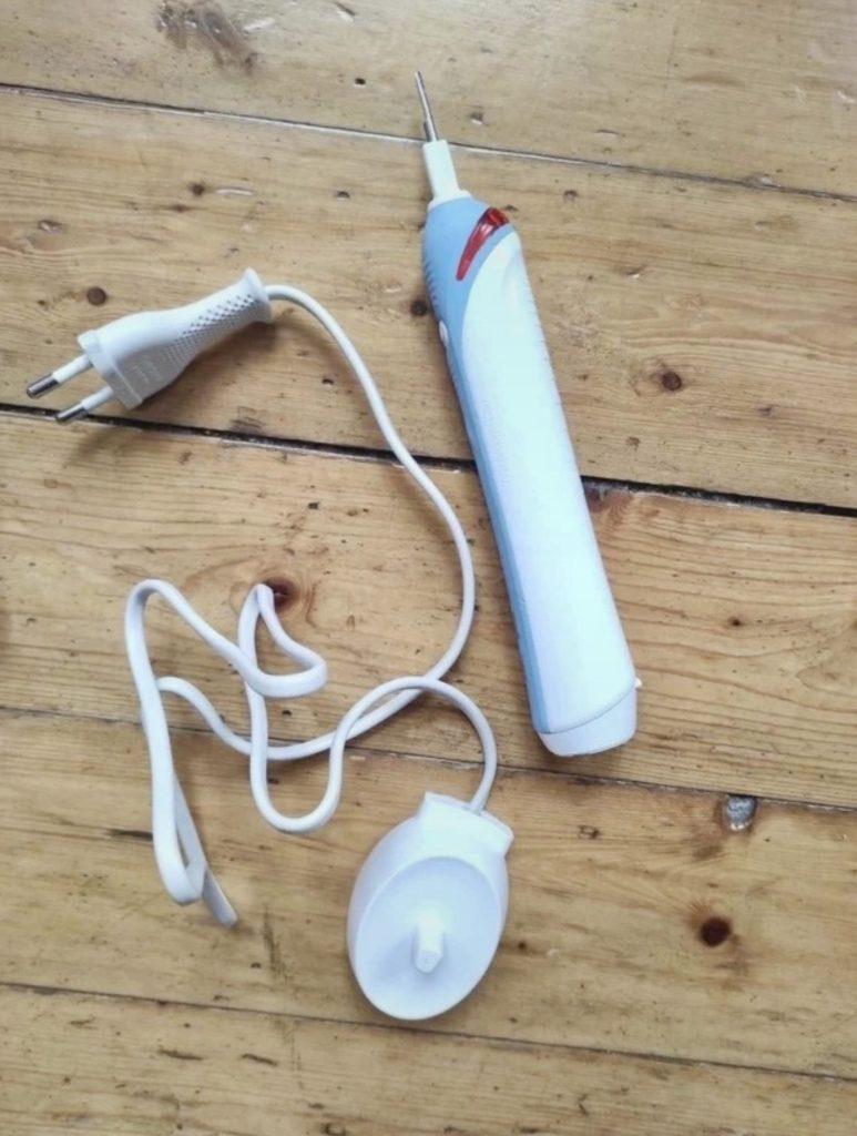 Minimalistische Zahnpflege: Elektrische Zahnbürste oder Handzahnbürste?